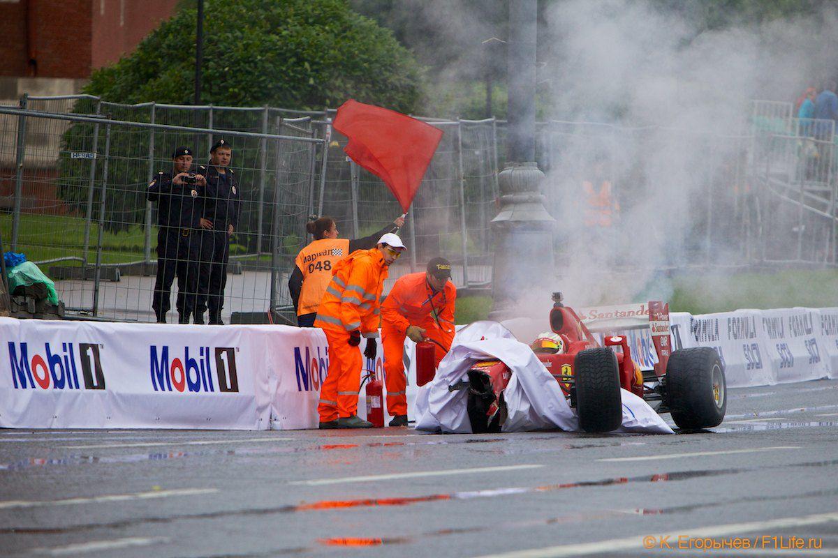 Камуи Кобаяши разбил Ferrari F60 у стен московского Кремля
